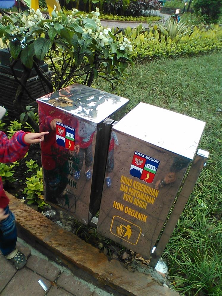 Tong sampah di landmark baru Bogor