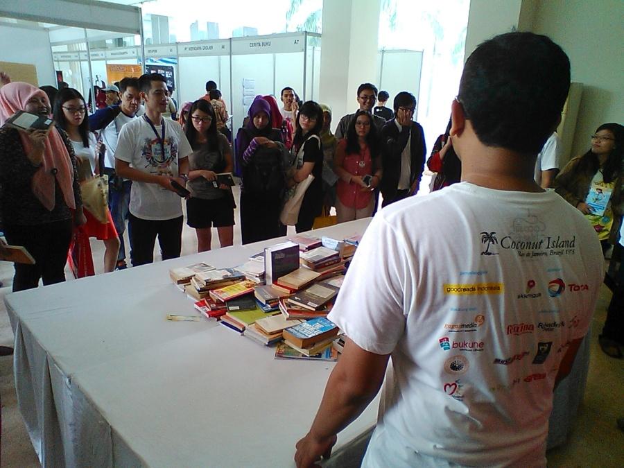 Book war di acara Goodreads Indonesia.