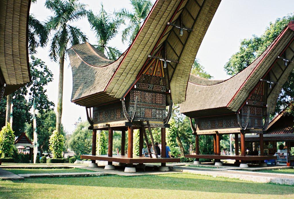 Taman Mini Indonesia Indah Tempat Wisata Budaya Terlengkap Di Indonesia Blog Belalang Cerewet