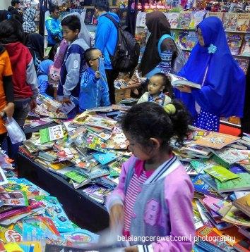 Pilih buku yang anak mau